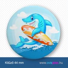 Cápa-szörfdeszkás -ovisjel kitűző